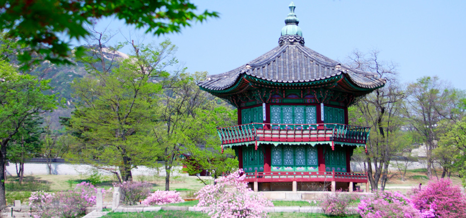 An old style pavillion at Kyoungbok Palace in Seoul, Korea.